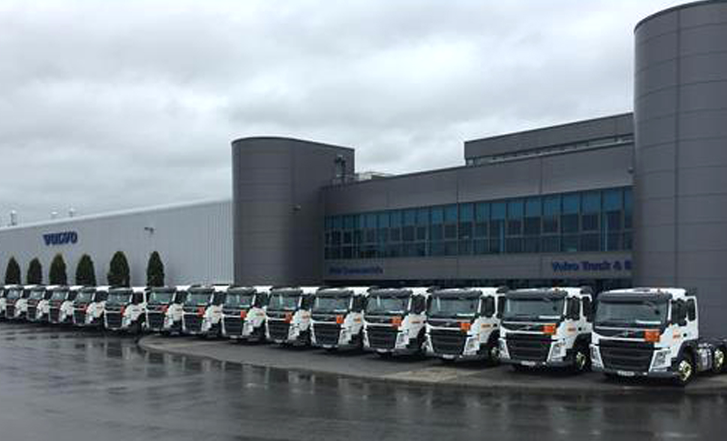 fd1ee139d4 September saw Irish Commercials deliver 17 new generation Volvo FM s with  460hp to DHL